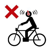 イヤホンやヘッドフォンで音楽を聞きながら自転車に乗ってはいけません。
